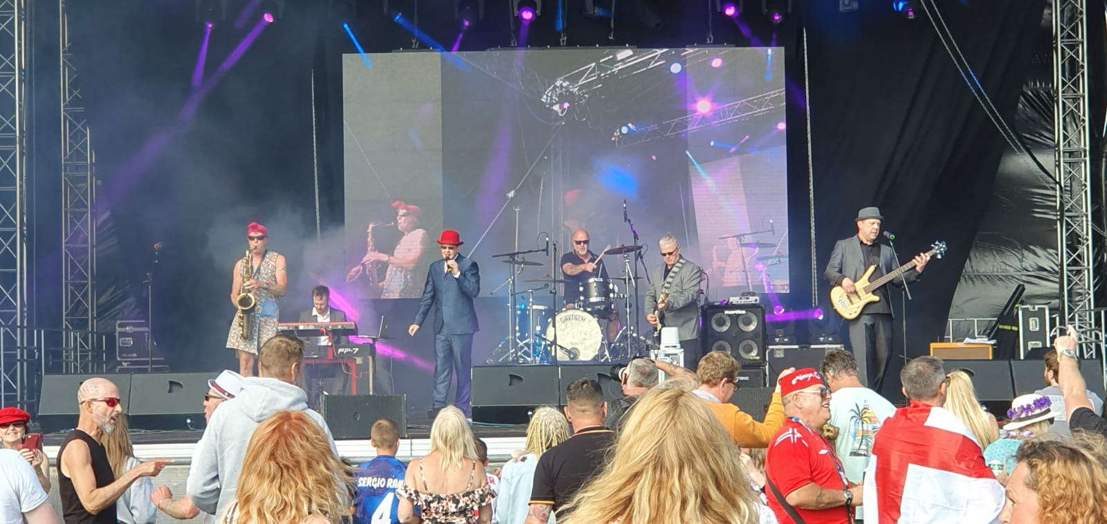 Madness Tribute Band - Los Palmas 6 - The Group